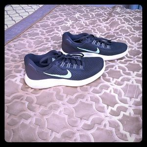 Nike Sneakers Size 9